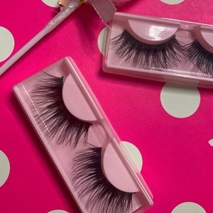 ALEXIS || Long dramatic lashes